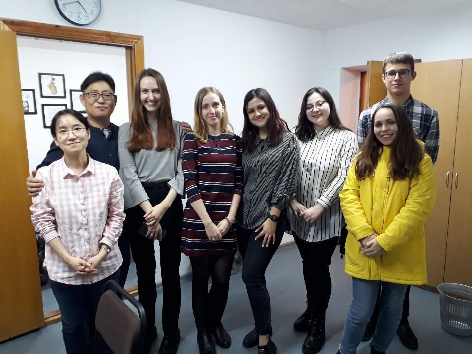 Візит до Недільної школи з корейської мови