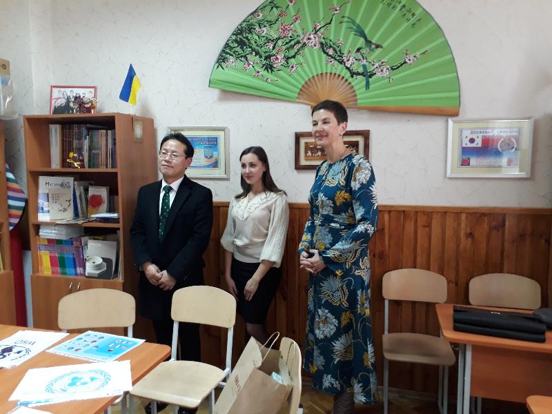 Візит до Київської гімназії східних мов
