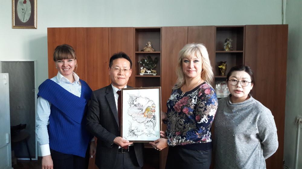 Візит до одеських шкіл з викладанням корейської мови