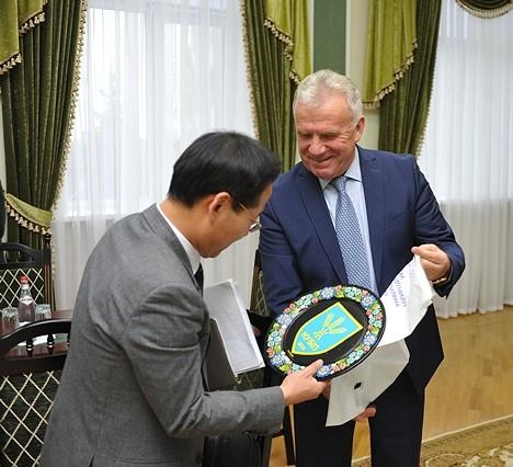 키예프 바이오자원과 환경 대학(구 키예프 농업대학)총장 업무 면담